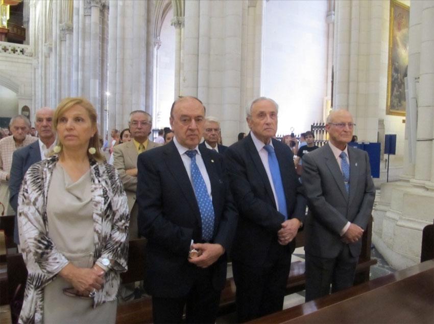 Misa en la Catedral de Santa María la Real de la Almudena
